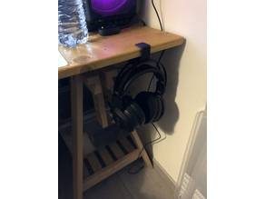 Razer Nari headset desk hang stand