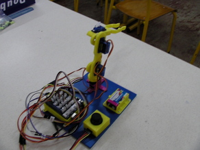 Robotic Arm (based on serv-arm)