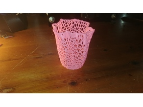 Voronoi Style Vase