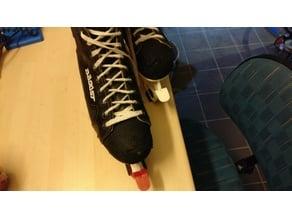 ice skate cover clip