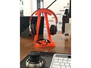 Another desktop headphone stand