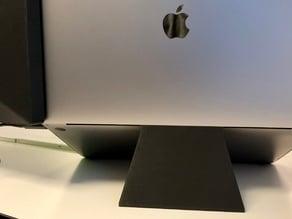 Minimalistic MacBook Pro Stand