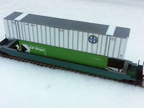 HO Scale Double Stack Well Car.