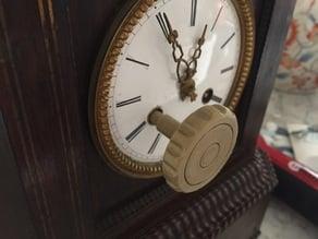 Winding key for clock pendulum