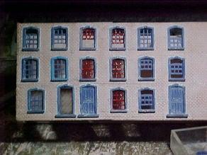 SCALEPRINT TERRACE HOUSES FRONT WINDOW/DOOR SET 00/HO SCALE