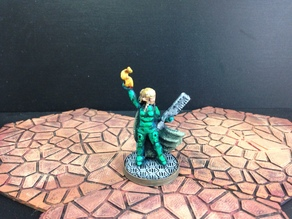 Wayfarer Miniatures: Elf Street Mage (28mm and 18mm scale)