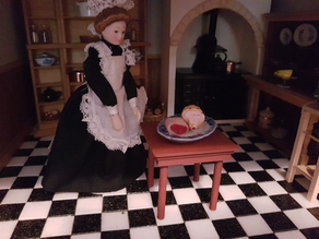 1/12th Scale Dolls House Small Table