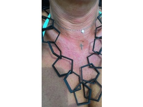 Necklace with pentagonal links