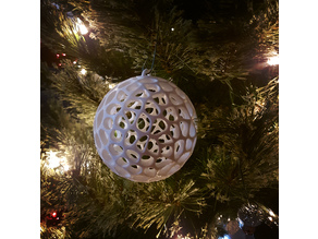 2018 Voronoi Christmas Bauble