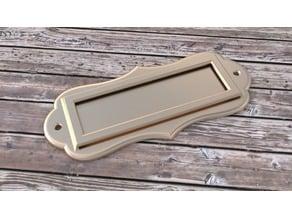 Tag/label holder with slit