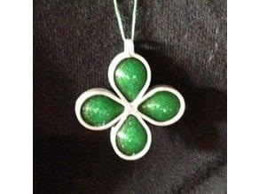 Four leaf pendant