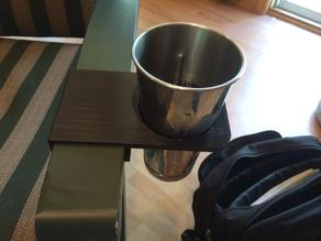 Lawn-chair cupholder