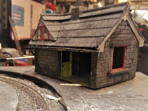 009  / 00 Model Railway Slate Built Station Halt