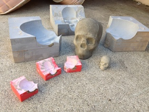 Lisa the Skull: the 3 part mold