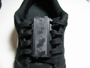 Mechanical shoelace closures