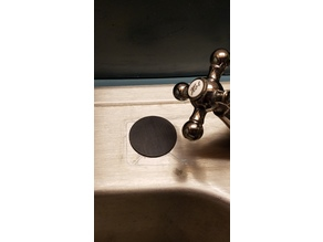 Faucet hole insert