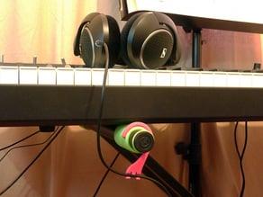 Headphone wire hook