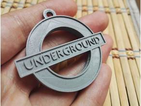 London underground logo keychain