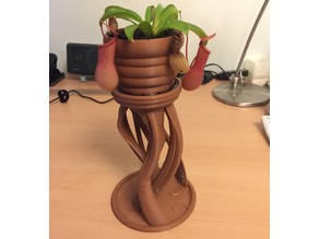 Hanging plant stand and pot