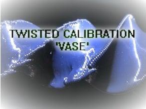 CAL_VASE_twist_001