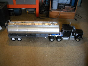 1/14 scale fuel trailer