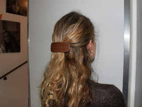 Barrette printed with Laywood
