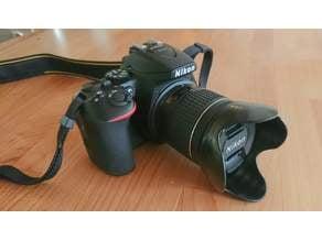 Reversible lens hood for AF-P Nikkor 18-55mm lens