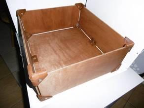 Corner wooden box