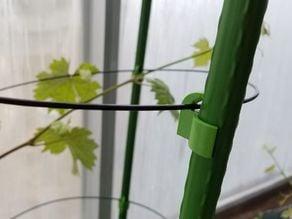 Planter Pole Clip