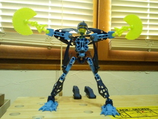 Special arm for bionicle and hero factory
