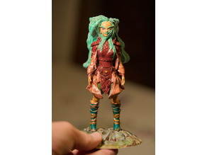 Female Gnome Druid Miniature