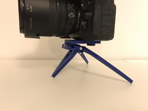 Compact and foldable camera tripod