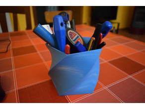 Twisted polygon Pen&Tools Holder