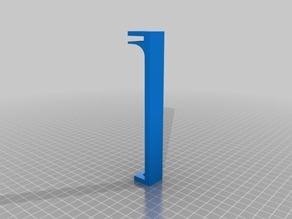 Glashalter für 5mm an einem Ikea-tisch