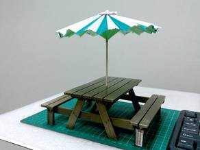 1:10 Outdoor Table