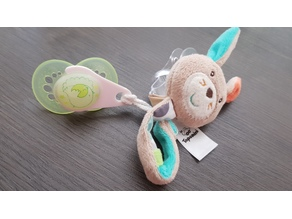 clip to hold pacifiers from Mam