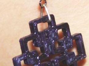 Daily earring #2: Kastenkreuz / Facettenkreuz (Box cross)