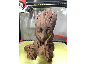 Groot Planter (Less supports, cleaner print, drain hole)