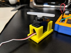 Servo motor holder / stand