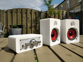 Speakers with amplifier