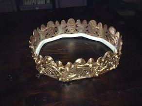 Snap together Celtic crown
