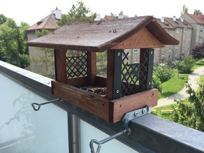 Bird feeder pigeon protector