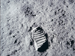 [NonPrintable] One Small Step - First step on the moon