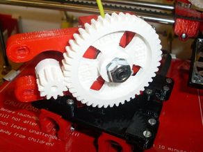 Small footprint J-head quick fit extruder