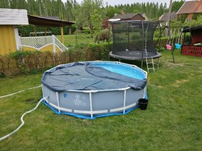 Intex pool cover, snap on bracket