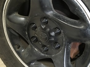 Spiked Lug Caps for Toyota Tundra (1st Generation)