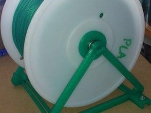 Adjustable width filament spool holder for 2.2 kg (and other) spools