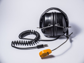 Microphone holder for helicopter's headset