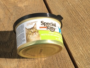 Cat Food Snug Lid with Release Tab