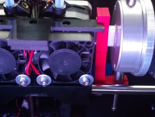 Leave on tool holder attachment for 2x v4